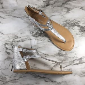 Cat & Jack Silver Metallic T Strap Girls Sandals